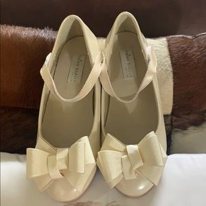 Trust Scully nude dress shoes with bow